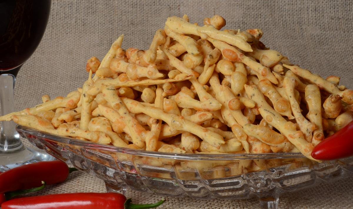 biscoito de parmesão com pimenta
